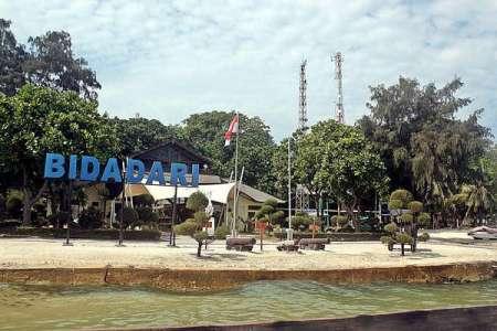 Pulau Bidadari yang eksotis